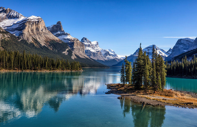 Maligne Lake and Spirit Island (Jasper, Alberta)