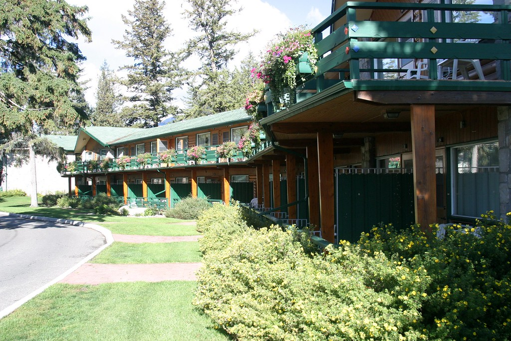 "Jasper Park Lodge, rooms.<br /> <br />  <a href=""http://www.fairmont.com/jasper"">http://www.fairmont.com/jasper</a>"