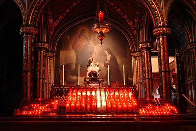 The small altar off to the left of the main altar in the Basilique Notre Dame - Montreal, QC ... October 7, 2006 ... Photo by Emily Conger