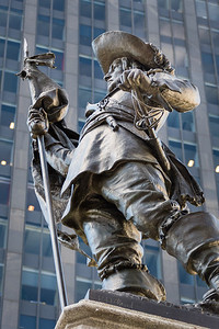 The Maisonneuve Monument by sculptor Louis-Philippe Hébert was built in 1895 as part of the celebrations for the 250th anniversary of the founding of the city (1642) and unveiled on July 1, 1895 in the Place d'Armes in Montreal in memory of Paul Chomedey de Maisonneuve, founder of Montreal.