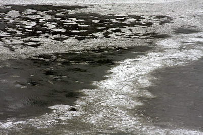 Ice flows down the Niagara River - Niagara Falls, NY ... December 23, 2008 ... Photo by Rob Page III
