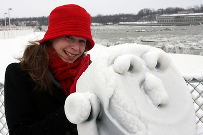 The view finder gives a frost filled view - Niagara Falls, NY ... December 23, 2008 ... Photo by Rob Page III