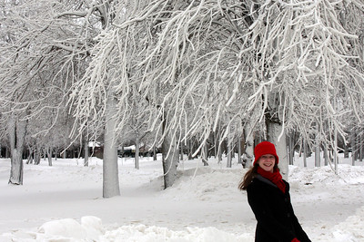 Emily enjoys the winter wonderland - Niagara Falls, NY ... December 23, 2008 ... Photo by Rob Page III