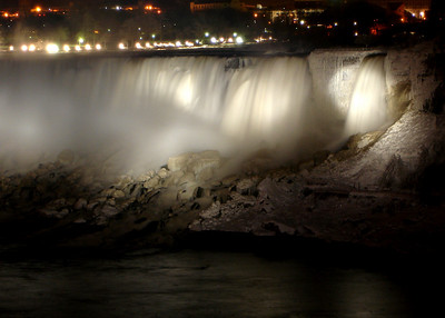 The American Falls - Niagara Falls, ON ... December 22, 2008 ... Photo y Rob Page III