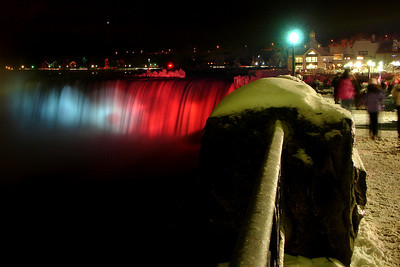 Niagara Falls - Niagara Falls, ON ... December 22, 2008 ... Photo y Rob Page III