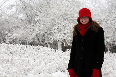 Emily looks cold - Niagara Falls, NY ... December 23, 2008 ... Photo by Rob Page III
