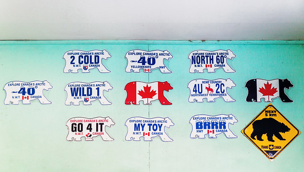 Northwest Territories License Plates / Plaques d'immatriculation des Territoires du Nord-Ouest