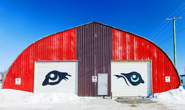 Art on building in Yellowknife / Art sur un bâtiment à Yellowknife