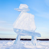 Inukshuk made of ice blocks in Yellowknife, Northwest Territories, Canada / Inukshuk fait de blocs de glace à Yellowknife, dans les Territoires du Nord-Ouest, Canada