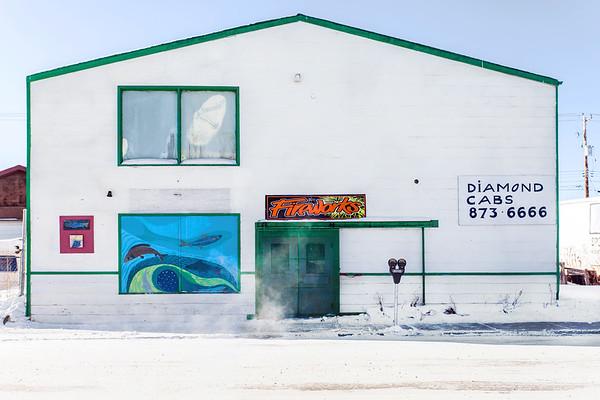 Building in Yellowknife / Bâtiment à Yellowknife