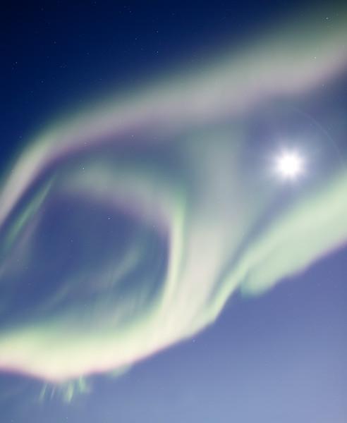 Yellowknife, Giant Mine - Aurora encircling a full moon