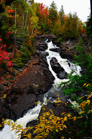 Vertical of Ragged Falls