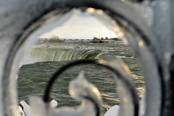 The falls thru Ice