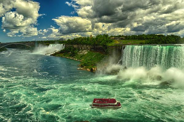 Hornblower at bottom of the Falls