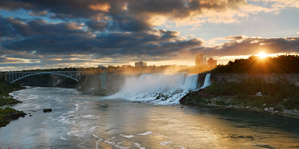 Breat sunrise over the falls