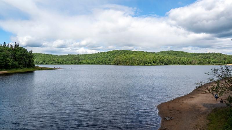 Lake Arrowhead - Arrowhead Provincial Park