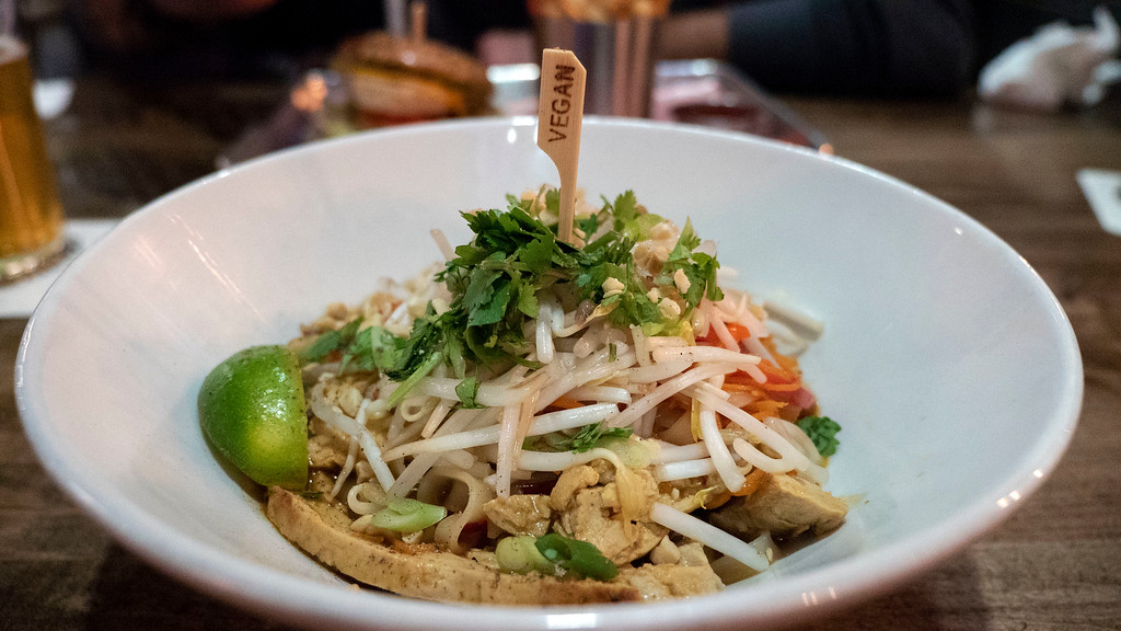Beertown Public House in Burlington, Ontario - Restaurants in Burlington - Pad Thai