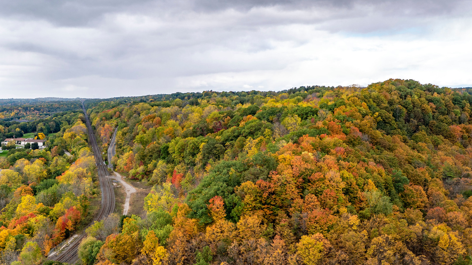 Dundas Peak, the Spencer Gorge, and the train tracks in the fall