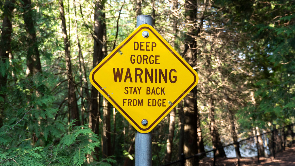 Elora Gorge Conservation Area - Warning sign