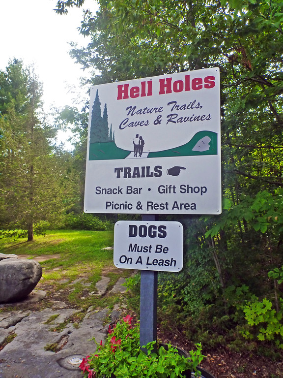 Hell Holes Nature Trails, caves and ravines in Napanee Ontario