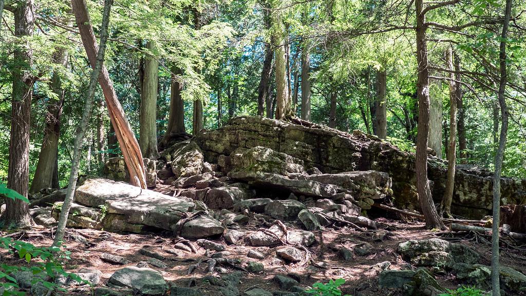 Hilton Falls Trail - Hiking at Hilton Falls - Hiking trails in Milton