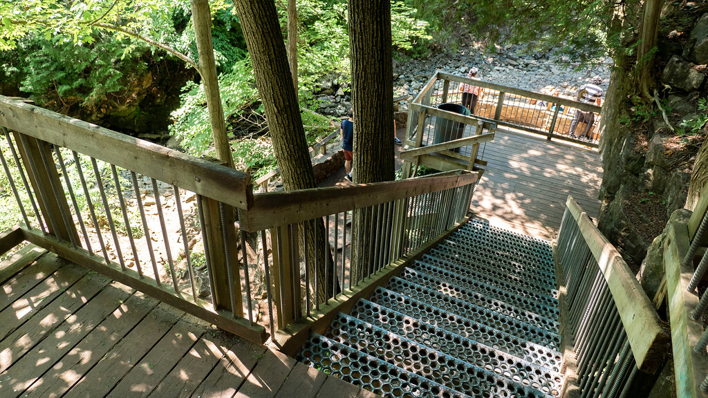 Stairs going down to Hilton Falls
