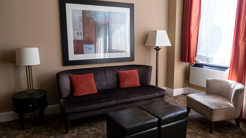 Hockley Valley Resort: Our studio hotel room suite with balcony