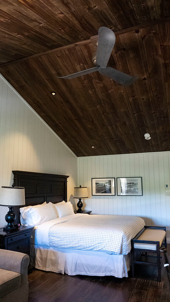 Covered Portage King View Suite