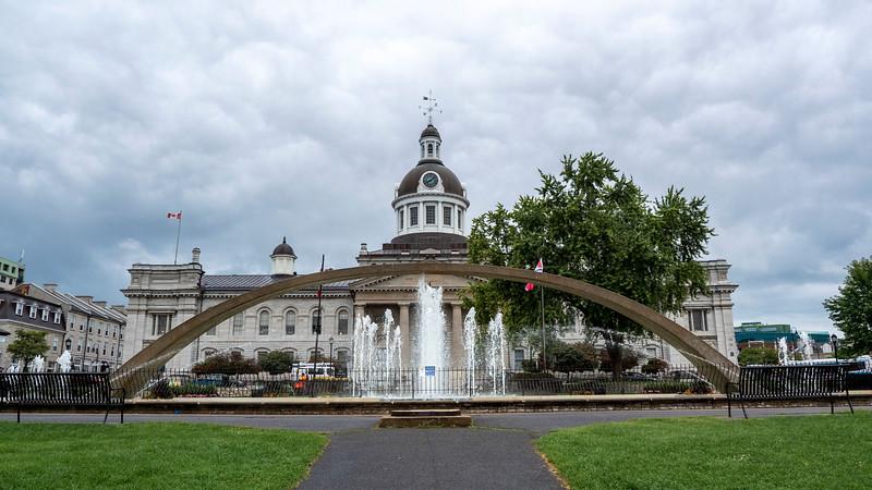 Confederation Arch / Confederation Park Fountain