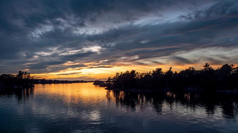 1000 Islands Cruise: Sunset Cruise from Kingston