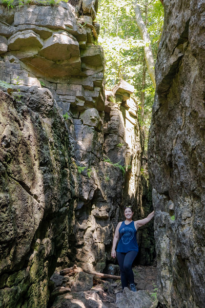 Hole in the Wall, Limehouse Conservation Area, Ontario hiking