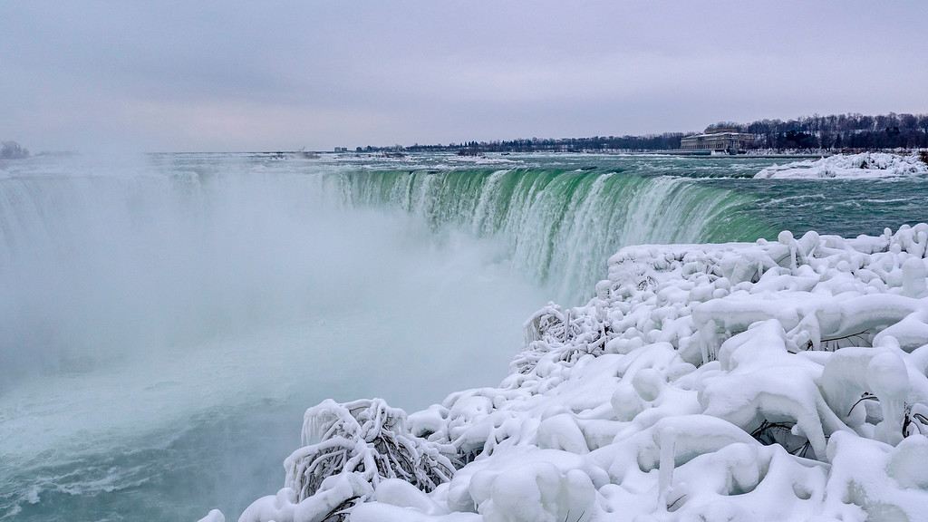 Visiting Niagara Falls in Winter: Frozen Niagara Falls
