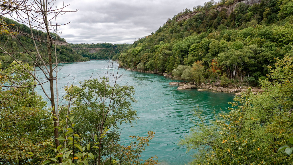 The River Trail at Niagara Glen - Hiking at Niagara Gorge on the Niagara River