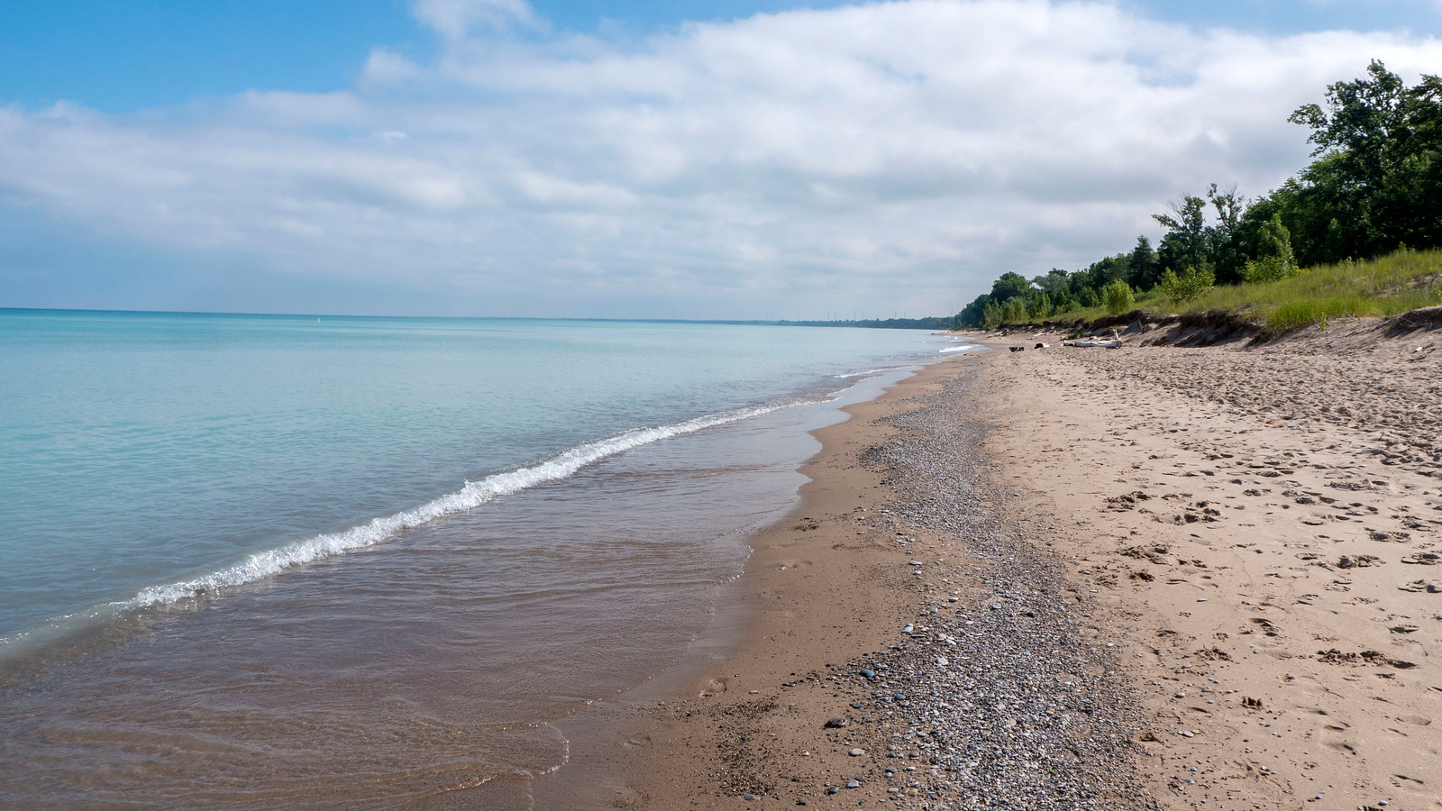 Grand Bend Beach, Lake Huron, Ontario, Canada. Turquoise waters, isolated beach.