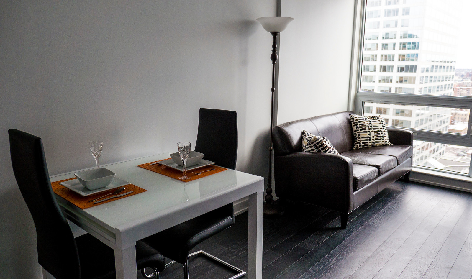 My First Airbnb Experience in Ottawa, Plus a Guide!