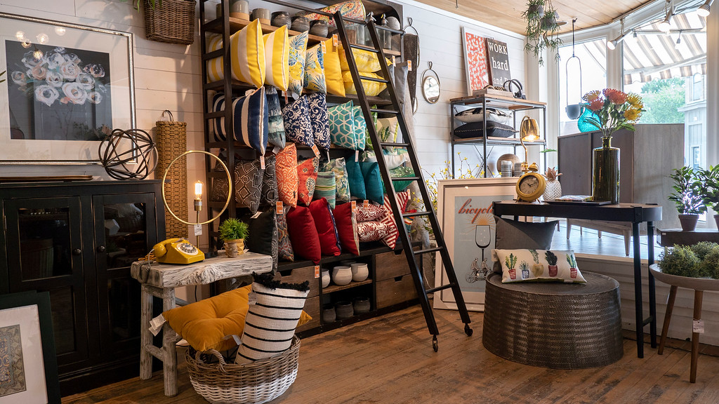 Southern Ontario Getaways and Road Trips: Jillian's in Mitchell, Home Decor Store