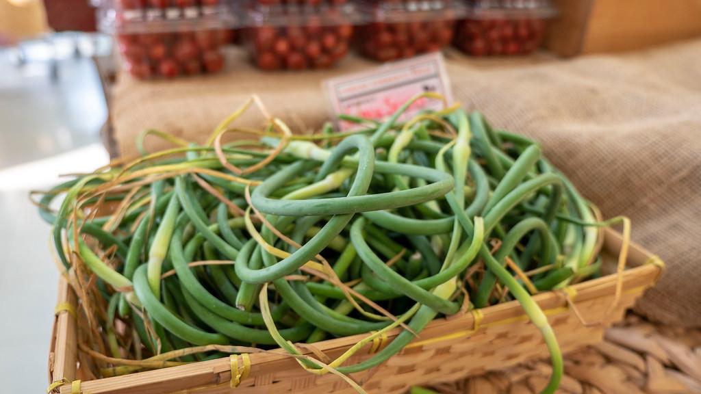 Local Fresh Produce, Organic, and Vegan Food: Cowan's Community Fresh in Perth County