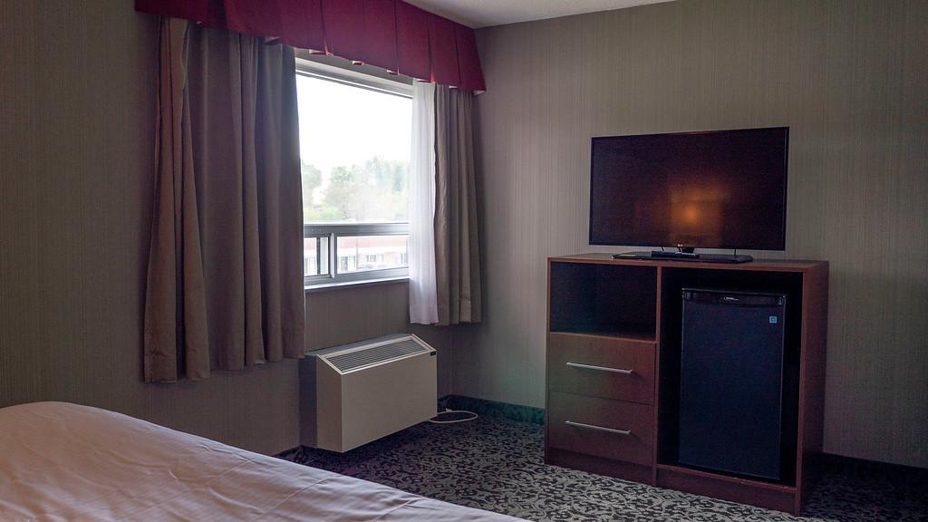 Lake Side One Bedroom King Suite Bedroom