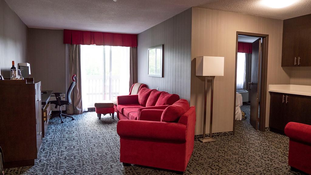 Lake Side One Bedroom King Suite