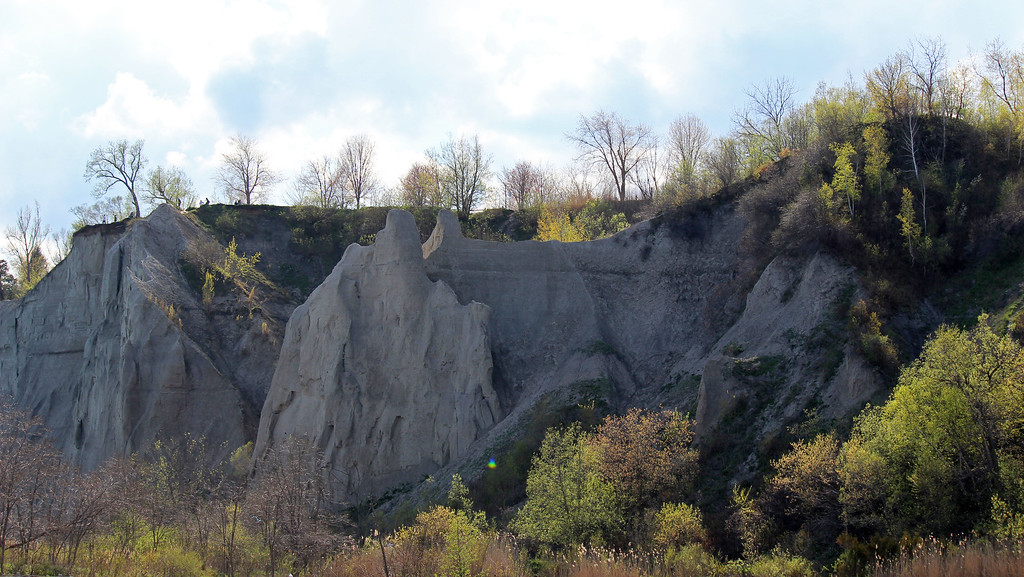 The cliffs at Scarborough Bluffs