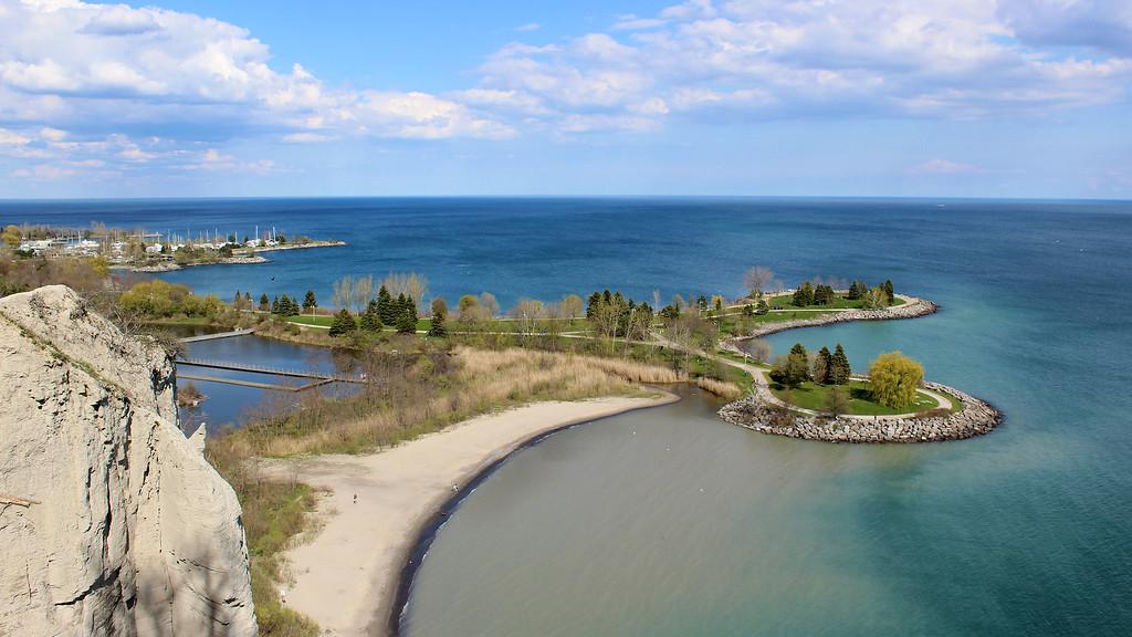 Best hiking in Toronto - Scarborough Bluffs