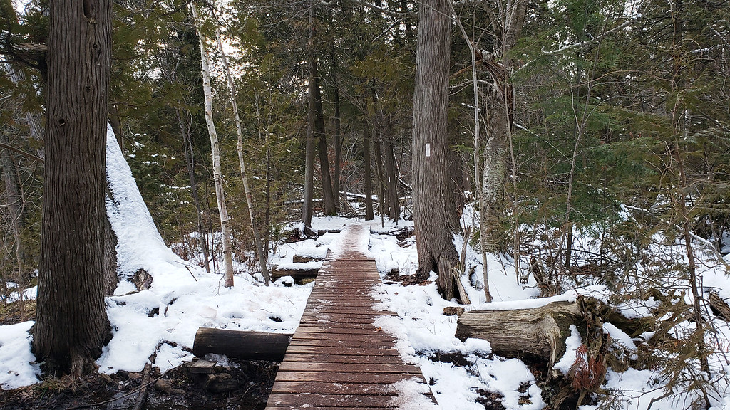 Hiking in winter at Scotsdale Farm
