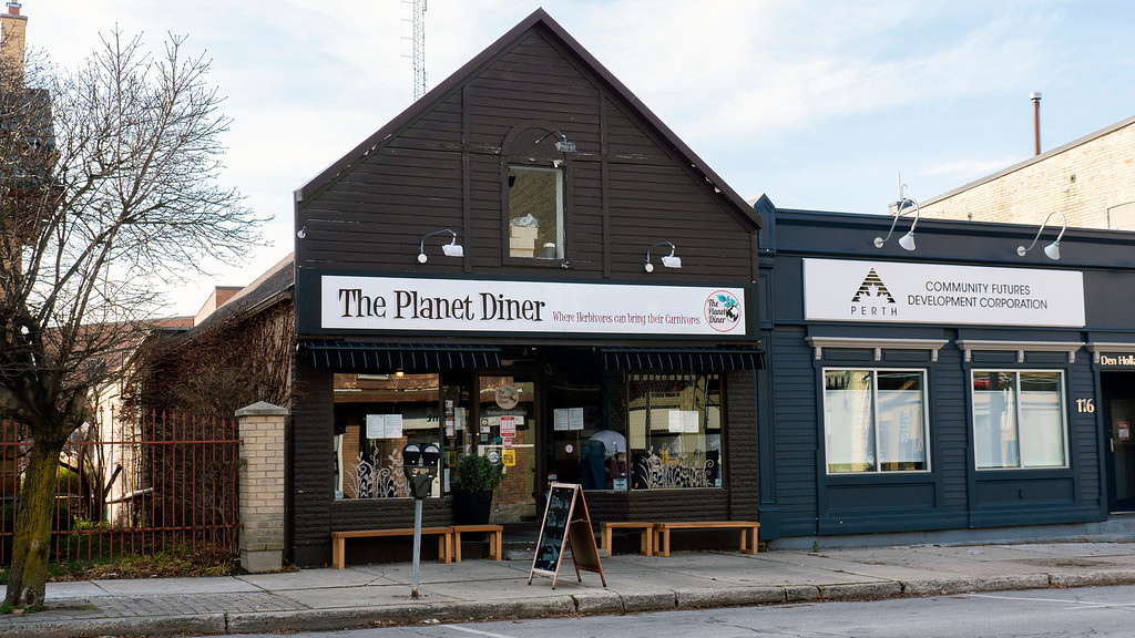 Planet Diner - vegan food in Stratford Ontario