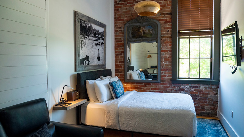 Perth County Inn - 1832 Room