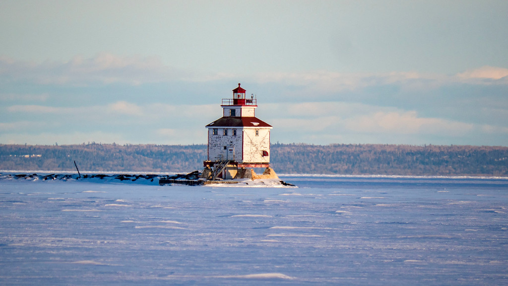 Thunder Bay waterfront in the winter - Thunder Bay Main Lighthouse