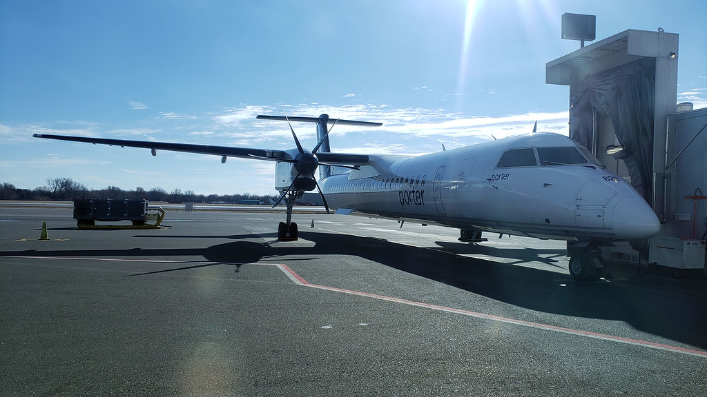 Flying from Toronto to Thunder Bay with Porter Airlines