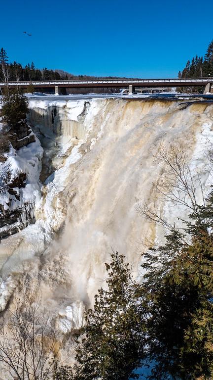 Thunder Bay in the winter: Kakabeka Falls Provincial Park - Thunder Bay waterfall