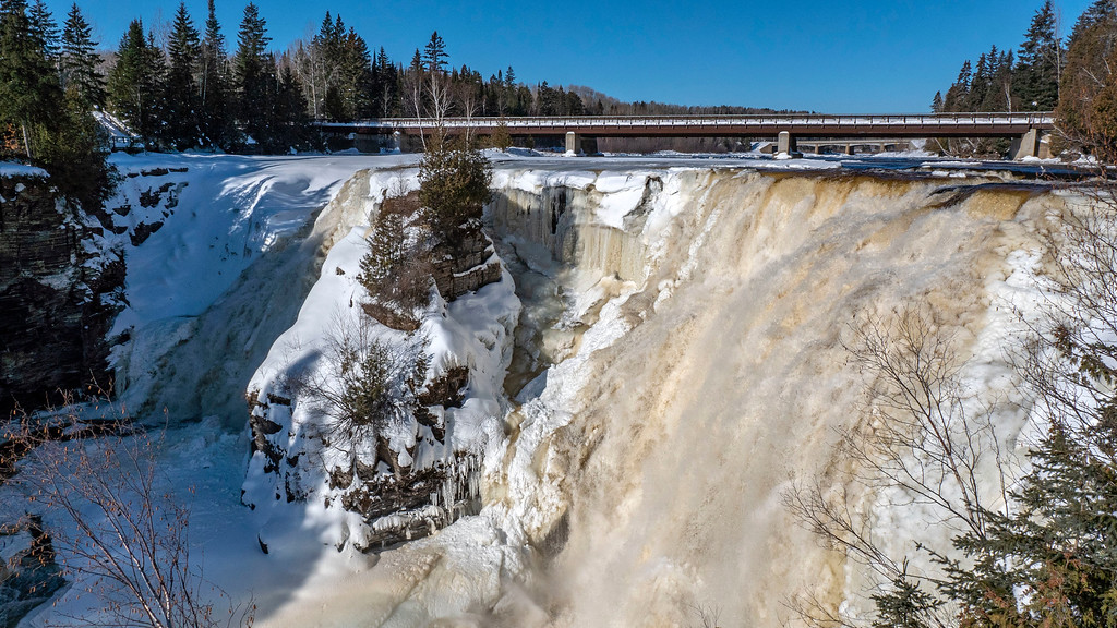 Winter Hikes in Ontario - Kakabeka Falls