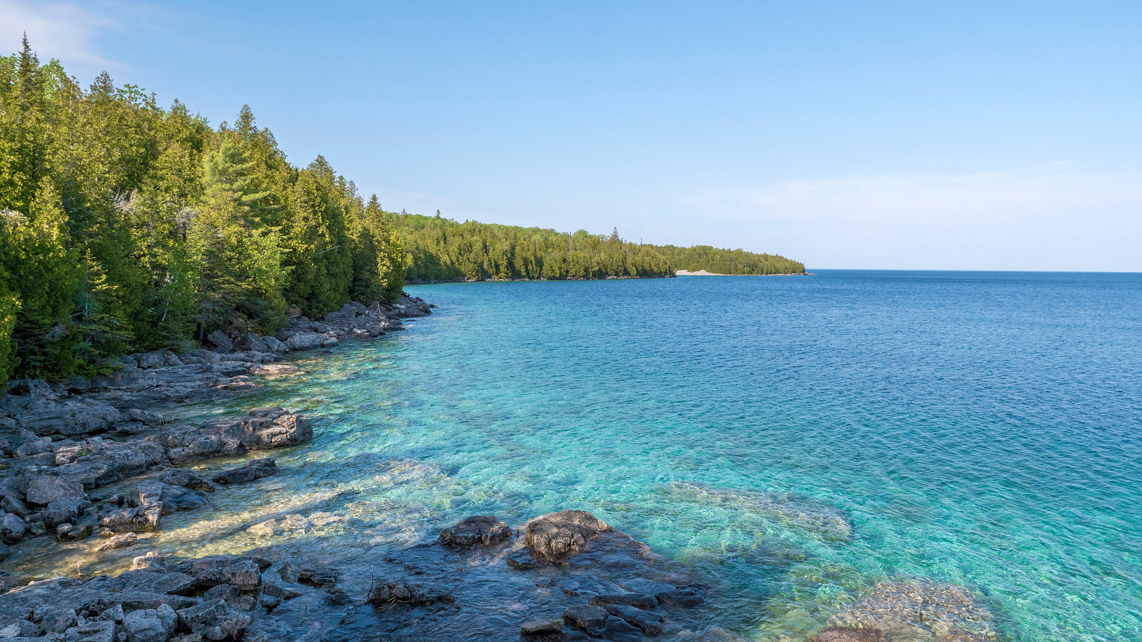 Little Dunks Bay Lookout. Best Bruce Peninsula Hiking Trails for Nature Lovers