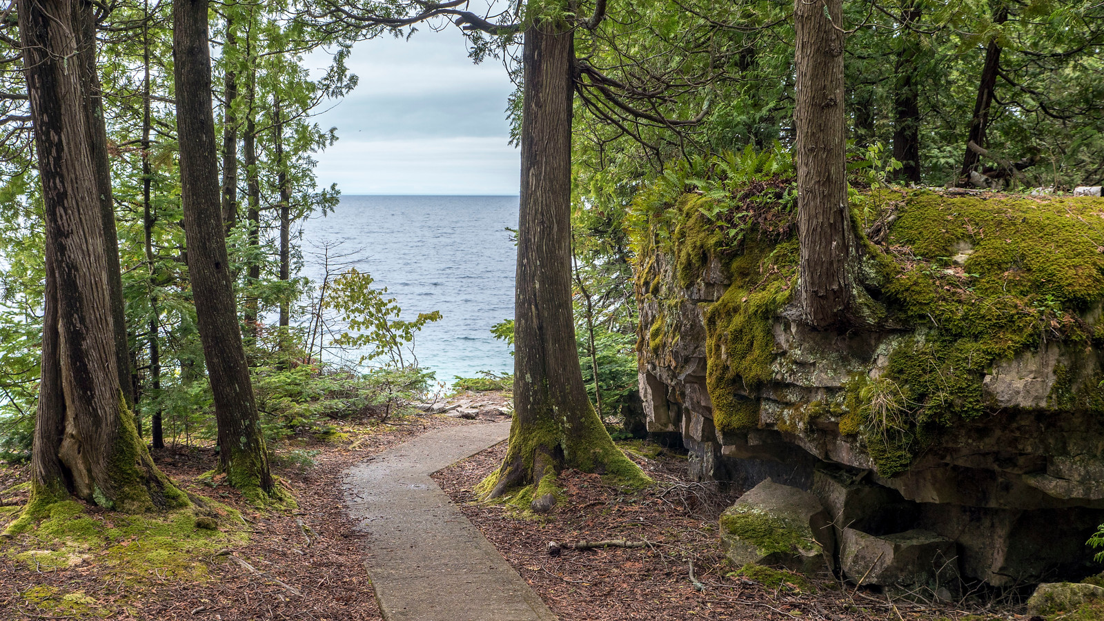 Hiking at Flowerpot Island, Bruce Peninsula, Fathom Five National Marine Park. Best Bruce Peninsula Hiking Trails for Nature Lovers